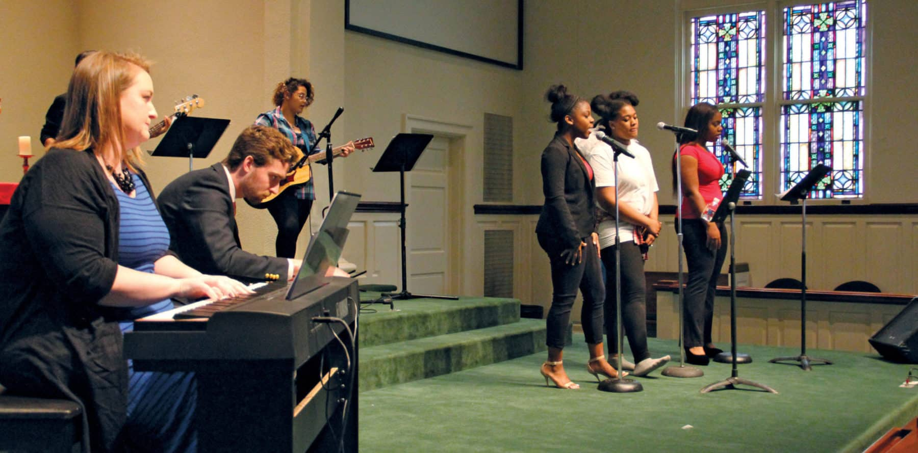 MCH Students Leading Worship