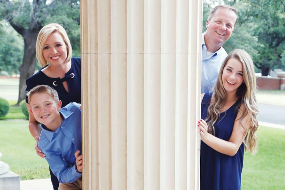 5-oakley-family-2019
